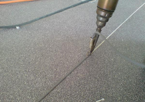 Пайка линолеума шнуром